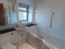 1 Holiday Cottage - Double Room En-Suite